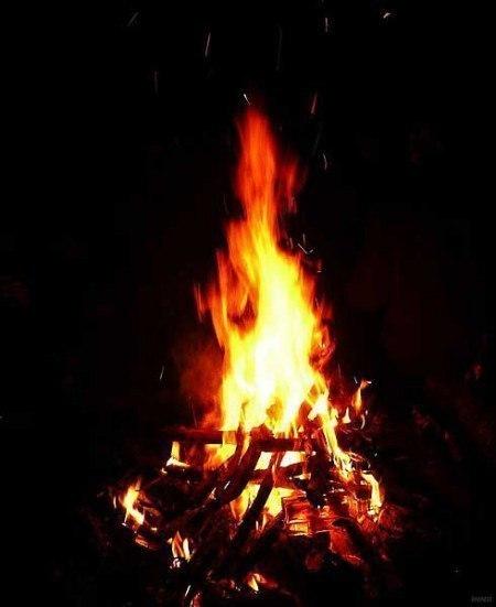 пламя вспыхнуло лодка приближалась
