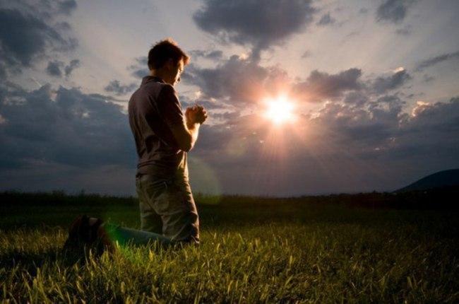 Тело растит плод силой господнего блага, и я прошу господа не отменить чудо рождения нового и дать мне силы выносить до срока чадо мое